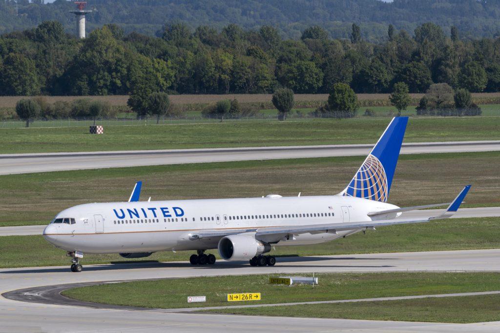 United Airlines reprend les embauches